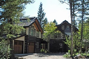 Rendezvous Mountain Rentals :: Choose from a unique selection of vacation homes & cabins located in Teton Village and The Aspens. Whether budget or Luxury, we have the right vacation rental for your needs!