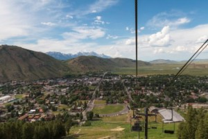 Snow King Mountain - Scenic Chairlift Rides! :: Ride the Scenic Chairlift to the summit of Snow King Mountain! The very BEST views of the Tetons, Elk Refuge, & the Town of Jackson. Click here for prices & hours.