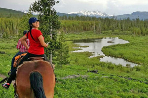 Wilderness Trails: Scenic Rides in Nat'l Forest :: Half & full-day trips in the most scenic location near Jackson Hole, Yellowstone & Grand Teton National Park. Expert outfitters & option to overnight with campfire breakfast!