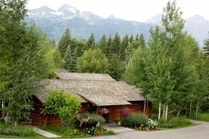 Dornan's Spur Ranch Cabins and Resort