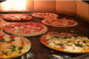 Pizzeria Caldera: Just Off the Town Square