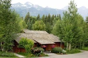 Dornan's Spur Ranch Cabins - Grand Teton NP