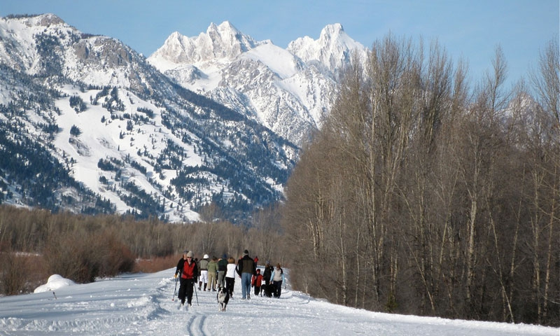 Cross Country Skiing along Pathways in Jackson Hole