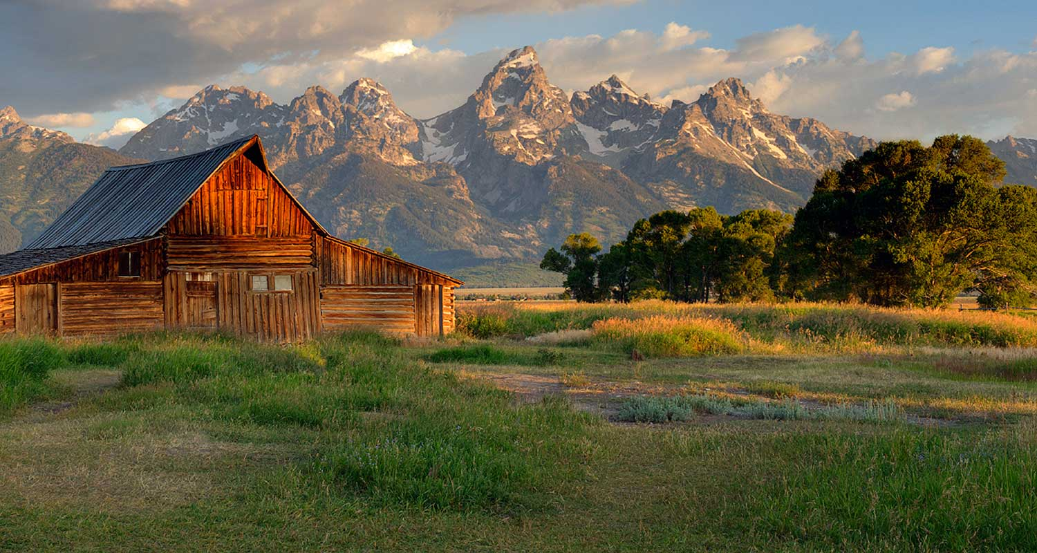Jackson Lodges, Wyoming Lodge Accomodations - AllTrips